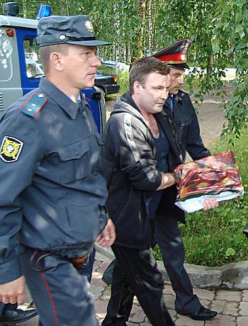 Алексея Королева этапировали в больницу ухтинской колонии.  Фото Андрея Влизкова.